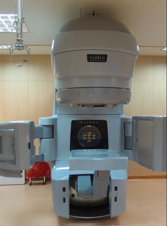 影像導引暨弧形強度調控放射治療直線加速器(銳速刀或快活刀)